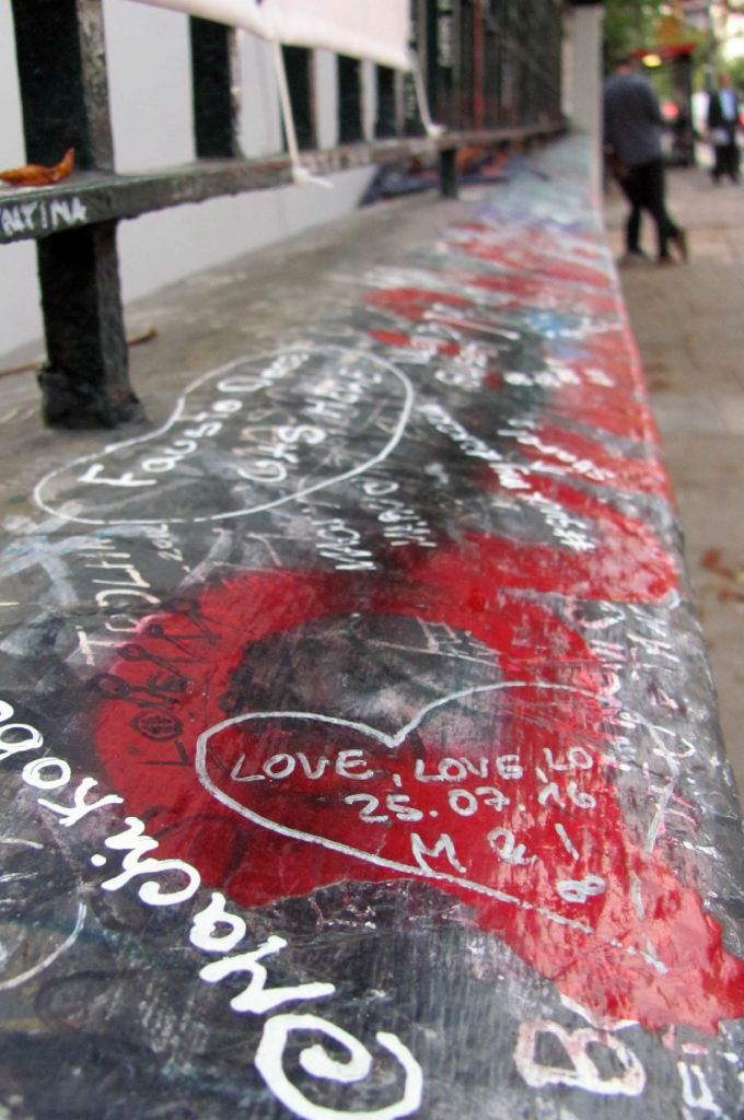 grid_abbey-road_graffiti-01